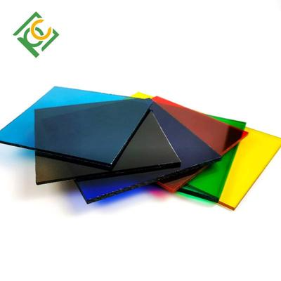 Solid polycarbonate layer
